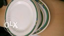 Melmow dish 12 inch x 4 nos plus serving tray x2
