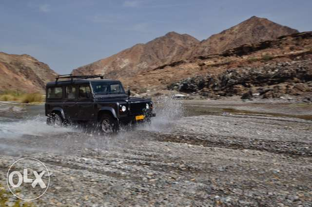 2005 Land Rover Defender 110 Station Wagon 9 Seat Excellent Condition مسقط -  8