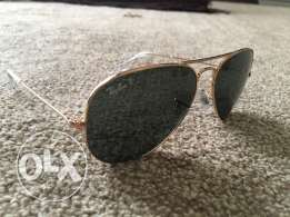 Aviator style Ray Ban sunglasses with case