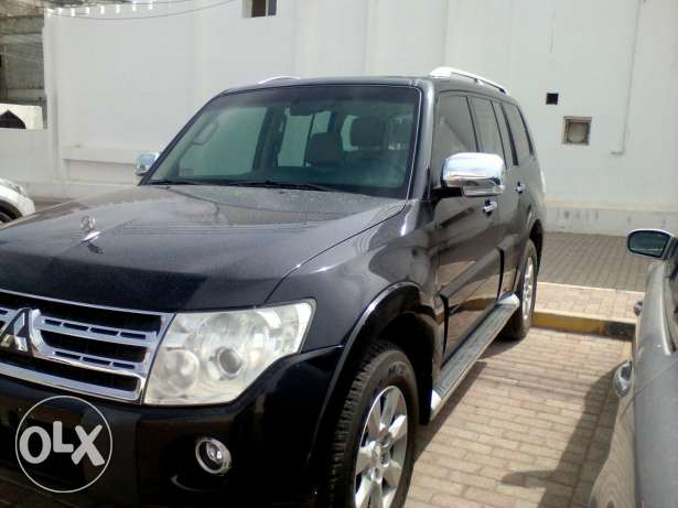 2010 pajer 1 person using 116.000 KM only full automatic oman agency