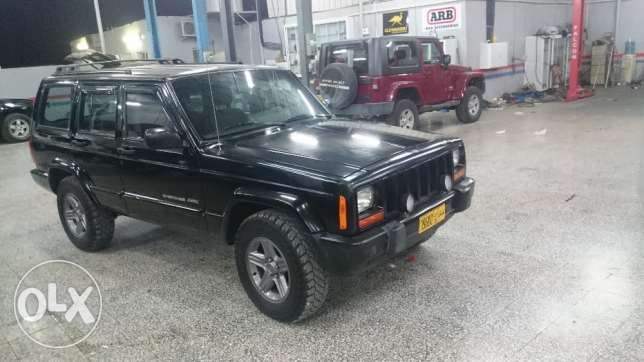 Jeep Cherokee 2000 Classic - Very Clean جيب شيروكي