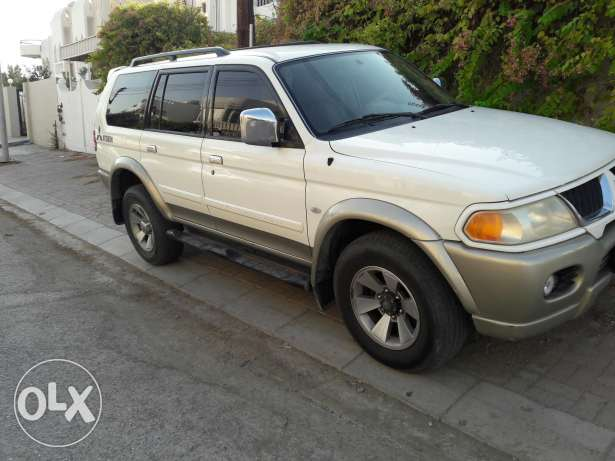 4×4 Mitsubishi 2009 full automatic No 1 original paint free accidents بوشر -  2