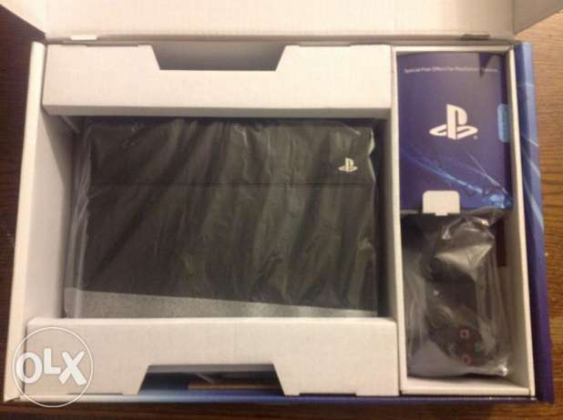 Original official sony playstation 4 500GB new model with controllers السيب -  1