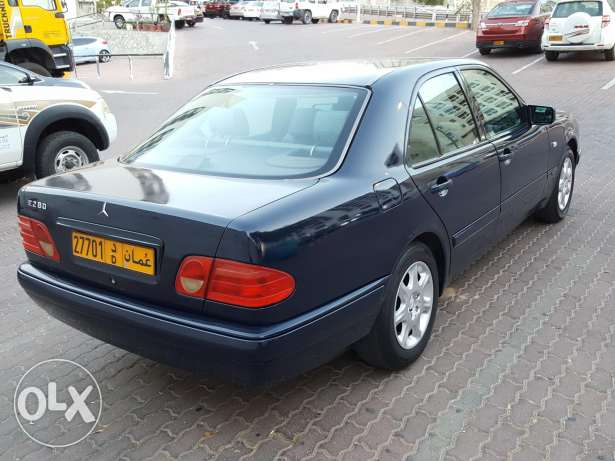 E280 for sale with one year mulkiya and insurance مسقط -  6