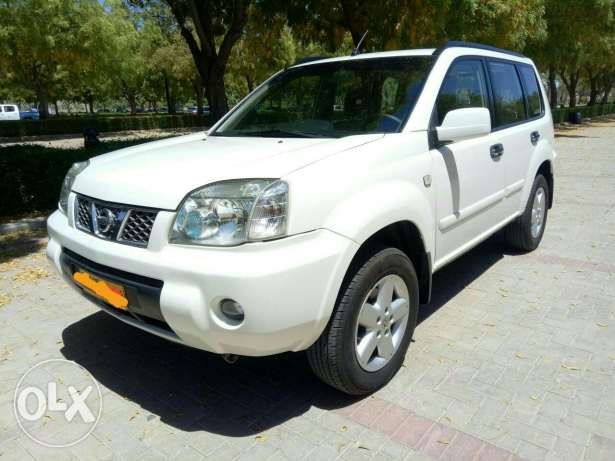Nissan X-Trail, 2011 Full automatic. clean and good condition.