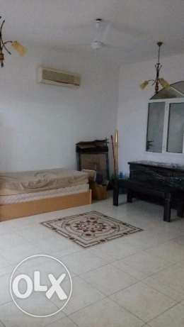 Room with attached bathroom &separate Kitchen for rent in Villa-Azaiba مسقط -  6