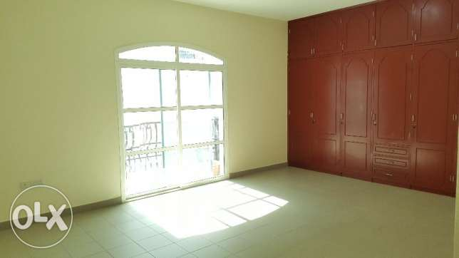 6BHK Beautiful Townhouse in Madinant Sultan Qaboos Near British Counse مسقط -  5