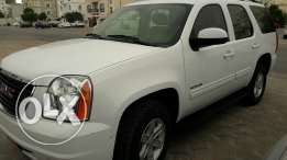 In minte condition GMC yukon 2013