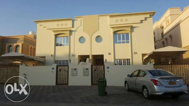 KA 203 Spacious Villa 5 BHK IN Izeba for rent مسقط -  1
