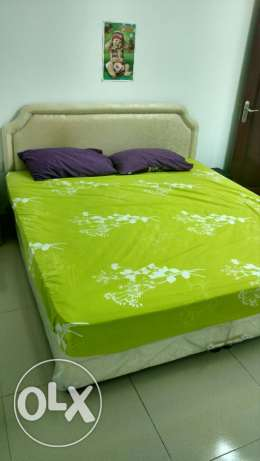 Deewan bed, original Raha semi medical mattress & 2 wooden sidetables السيب -  1