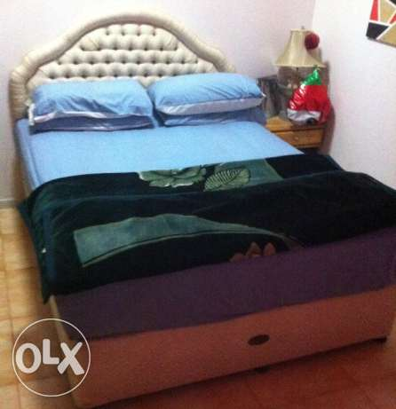 Queen size double bed السيب -  1