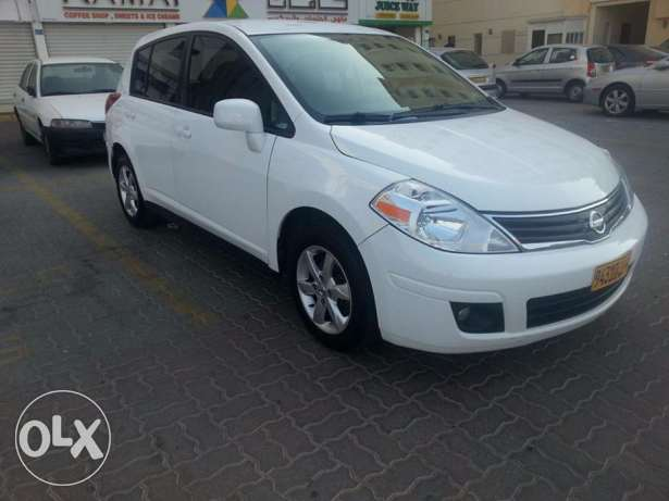 Nissan versa 2012. 63,000 km only. 2100 RO negotiable