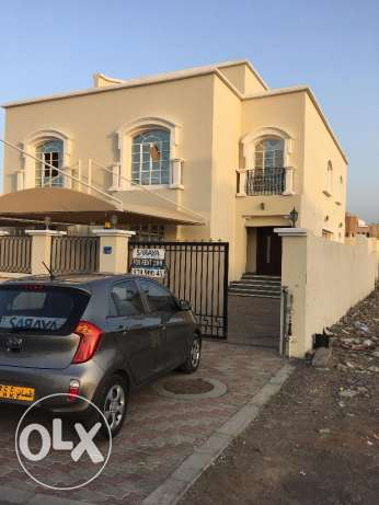 villa for rent in al mawaleh south for 500 rial
