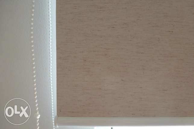 Selling Roller Curtains & Venetian blinds