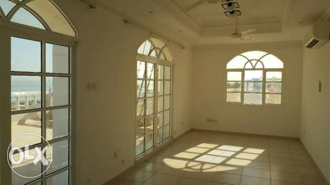 Al Hail North Penthouse Specious Flat with Private Terrace & Parking i مسقط -  8