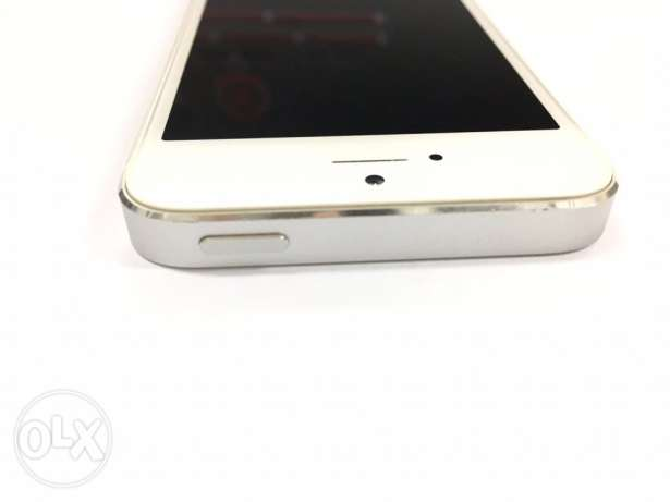 Iphone 5s 64 GB Excellent Very بوشر -  5