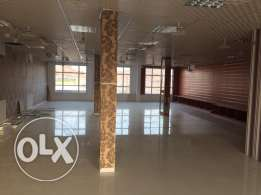 Big showroom for rent in Fanga