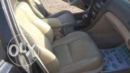 I am selling the Lexus ES300 for sale very clean country, absolute return for offender mulkiye 1 year