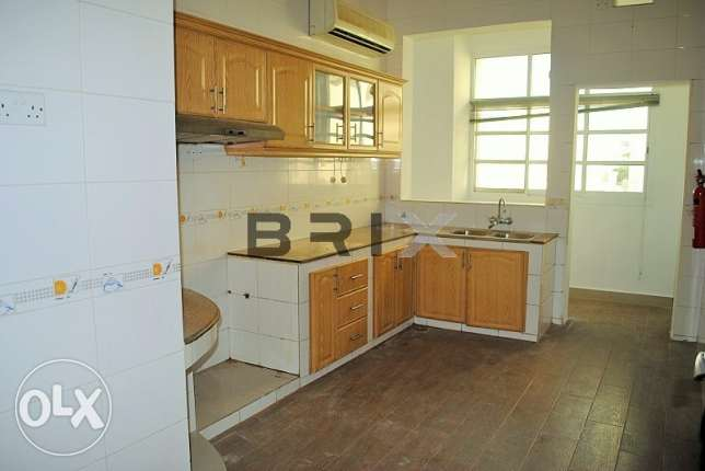 Ghubra North - 2 Bedroom Apartment with Maid's Room For Rent مسقط -  2