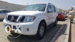 Nissan Pathfinder 2012 well maintained for immediate sale