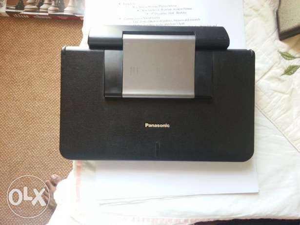 Panasonic Portable DVD player+ 2 animation film CD's