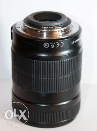 Canon EF-S 18-135mm IS camera lens DSLR