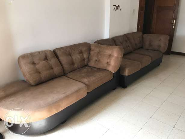 3 + 2 sofa seater bought from Home center in very good condition روي -  1