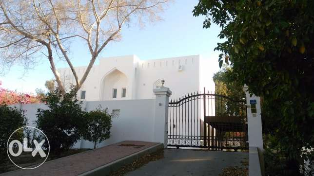 5BHK Villa w/ big Garden FOR RENT Qurum near Mosque & Montessori pp44