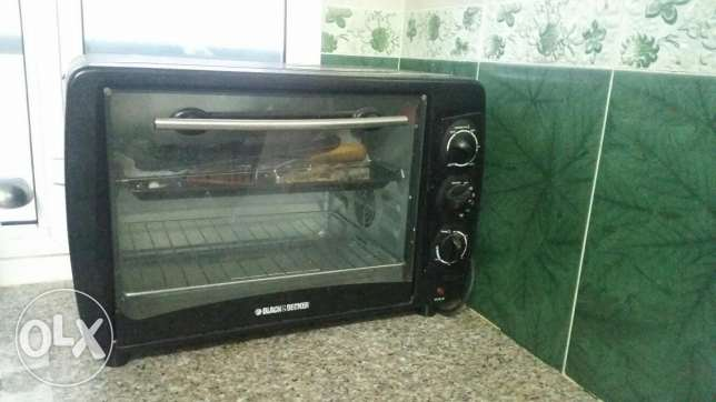 black and deccor toaster oven (for baking)
