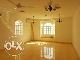 AZAIBA: Huge 3 BHK apartment with covered Parking (1min walk to beach)