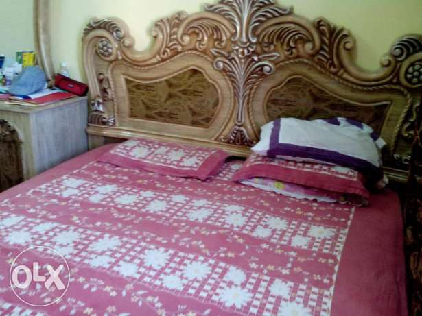 Well used & maintained good Furniture Items of family home totl 22 pcs