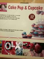 Cake pops and cupcakes stand