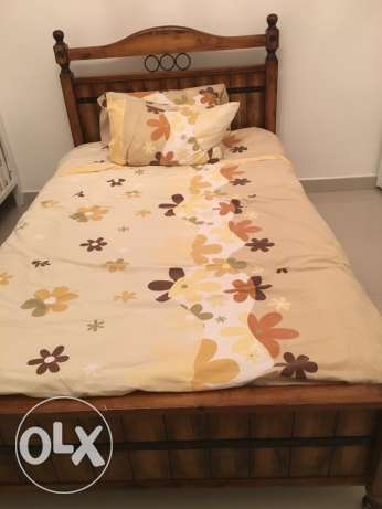 single bed with mattress, centre point+ one side table مسقط -  3