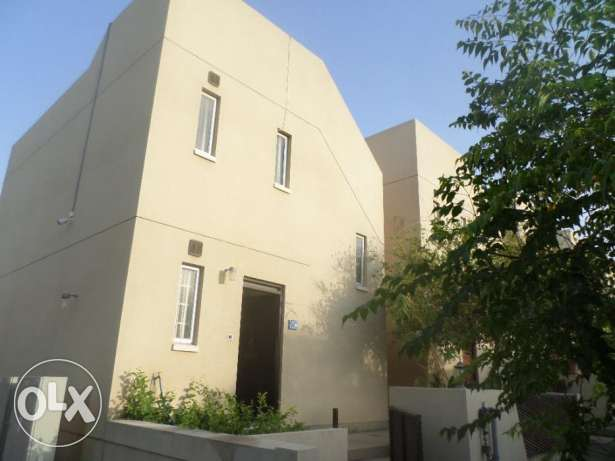 2 BR Townhouse in MSQ with Common Pool - BEST OFFER!!!