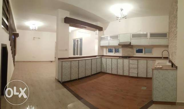 KA 015 Part of twin villa 5 BHK in south mawaleh for rent مسقط -  5