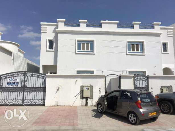a new villa for rent in al khod 6 just for 600 rial السيب -  1