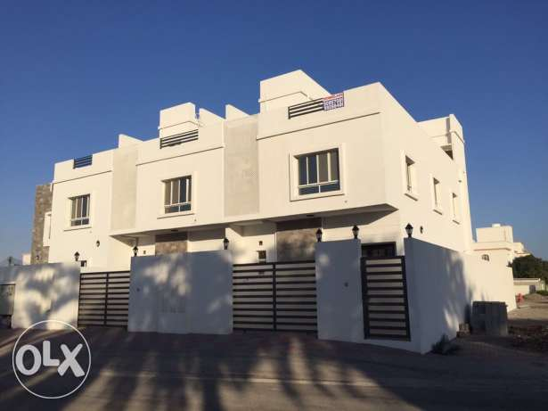 Villa for Rent : Open area style with swimming pool