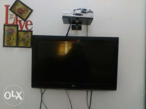 TV 32 inch (LG)+Dish Antina+set top box with stand