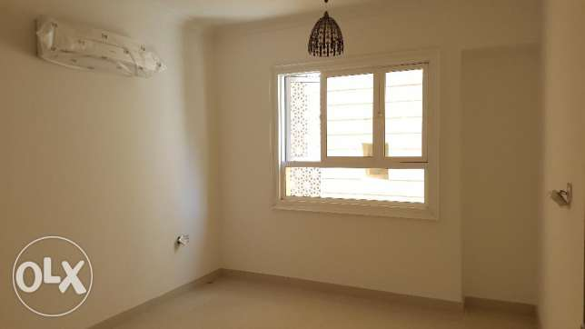 2bhk with maidroom in Bausher Street for Rent Near dolphin village مسقط -  5