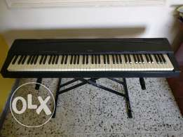 Yamaha Electronic Piano with stand for Sale Model P70