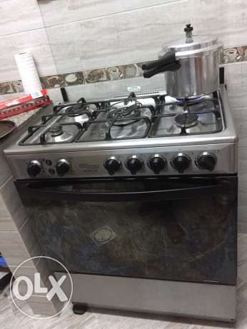 cooking range for sale in mint condition
