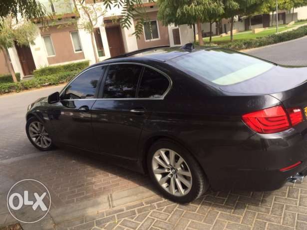 BMW 523i - 2011 full options in very good condition like new السيب -  4