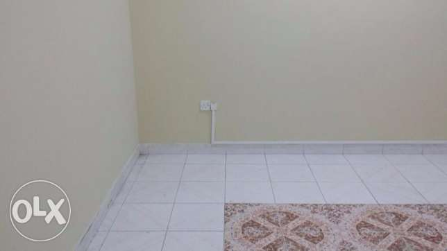 One Bedroom with separate bathroom sha. kitchen Rawasco Al Khuwair. مسقط -  3