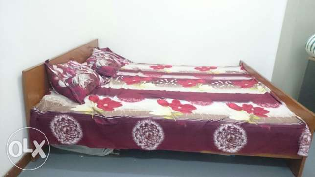 Kingsize bed with mattress مسقط -  6