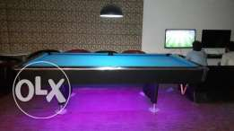 Sale a billiard bord...