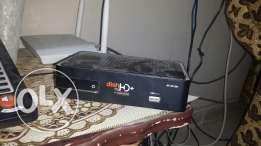 A HD dish tv receiver with antenna with remote