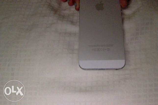 iPhone 5s SLIVER USED only for a year مسقط -  2