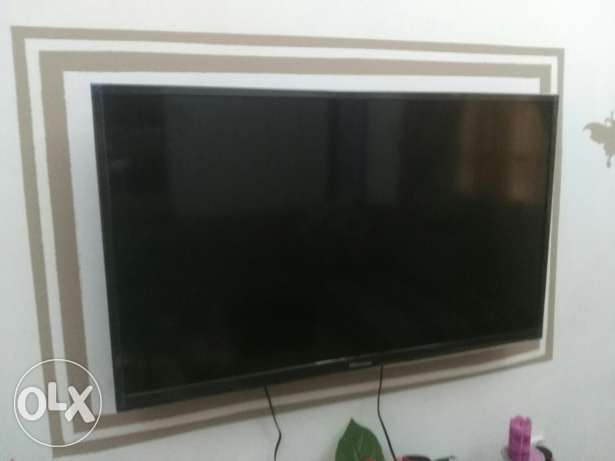 """Hisense 42""""  It is in new condition"""