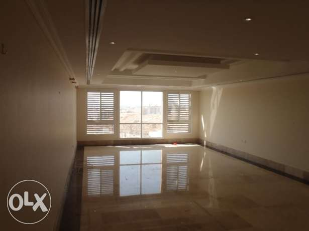 4 Bedroom Row Villa with Communal Pool in Qurum مسقط -  1