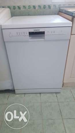 Siemens Dishwasher. Like new. Rarely used
